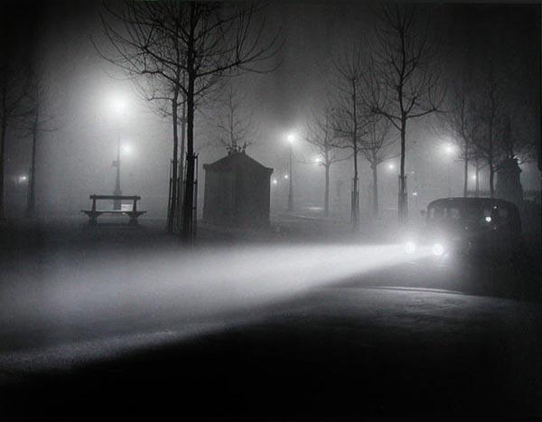 Paris bajo la niebla. Brassai 1934